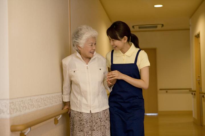 特別養護老人ホーム(ユニット型) の介護職求人。小規模ですので働きやすい施設です♪|静岡県富士市 イメージ