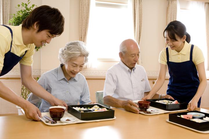 未経験の方歓迎!有料老人ホーム及びデイサービスでのお仕事です|静岡県藤枝市 イメージ