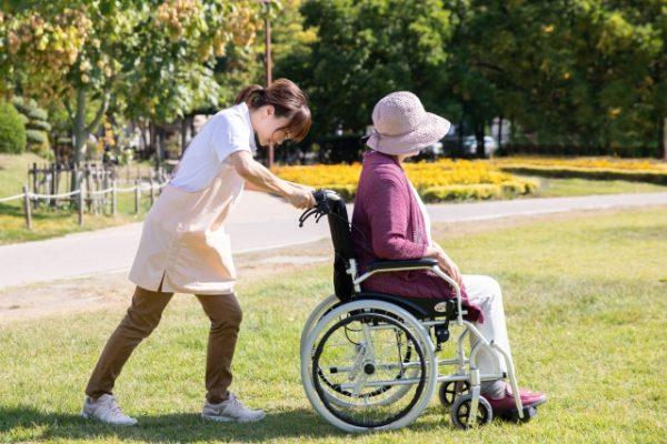 介護現場の人間関係はどうやって改善するのか イメージ