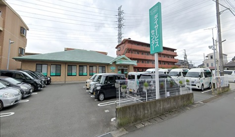 【正社員】<介護職>デイサービスでの介護職求人!車通勤可能|静岡県三島市 イメージ