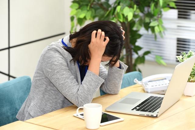 ストレスが溜まり、円形脱毛症になってしまった|介護職の転職アンケート イメージ
